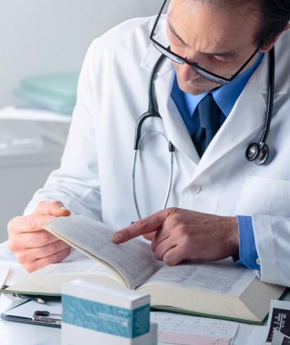 Ser médico significa aprendizado constante. Conheça 5 livros que todo profissional de medicina precisa ler.